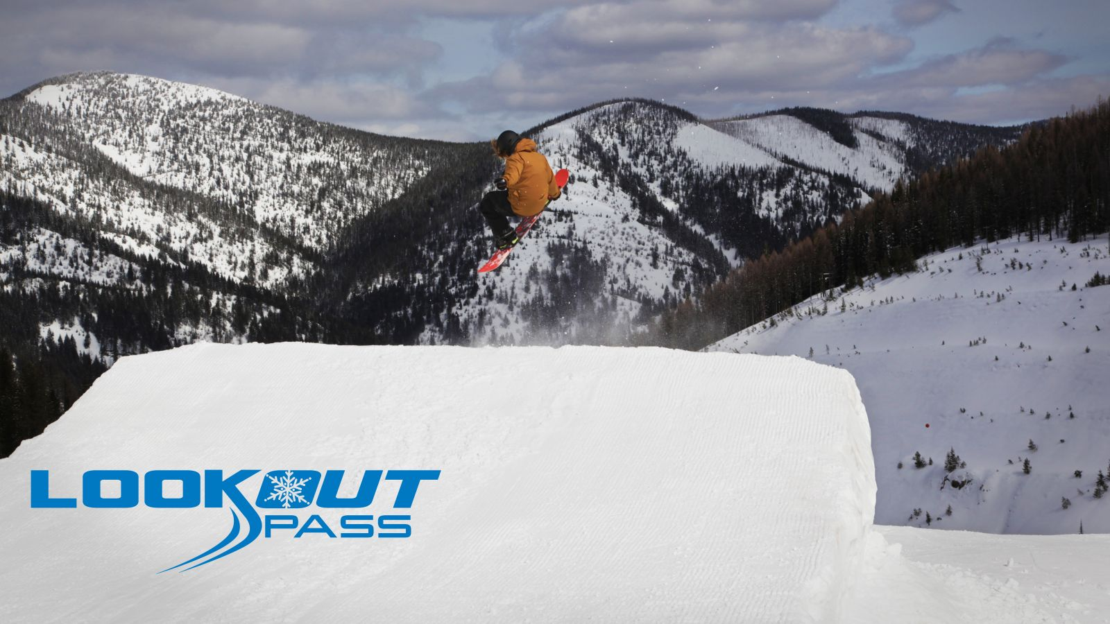 Craig jumping at Lookout Pass in the Terrain Parks