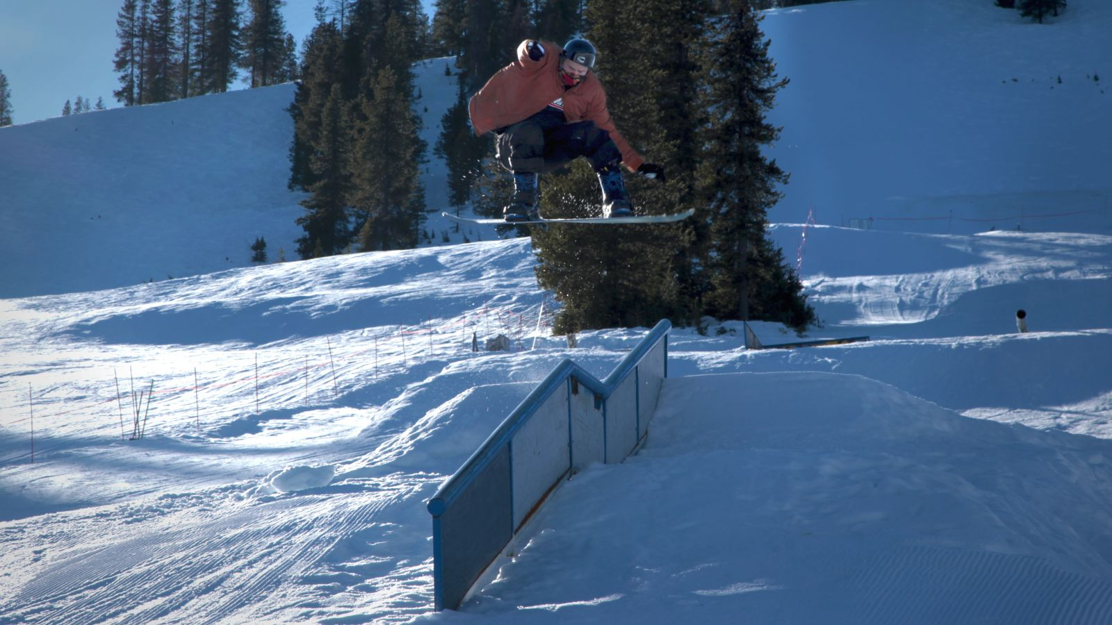 Snowboarding and massive jumps at Lookout