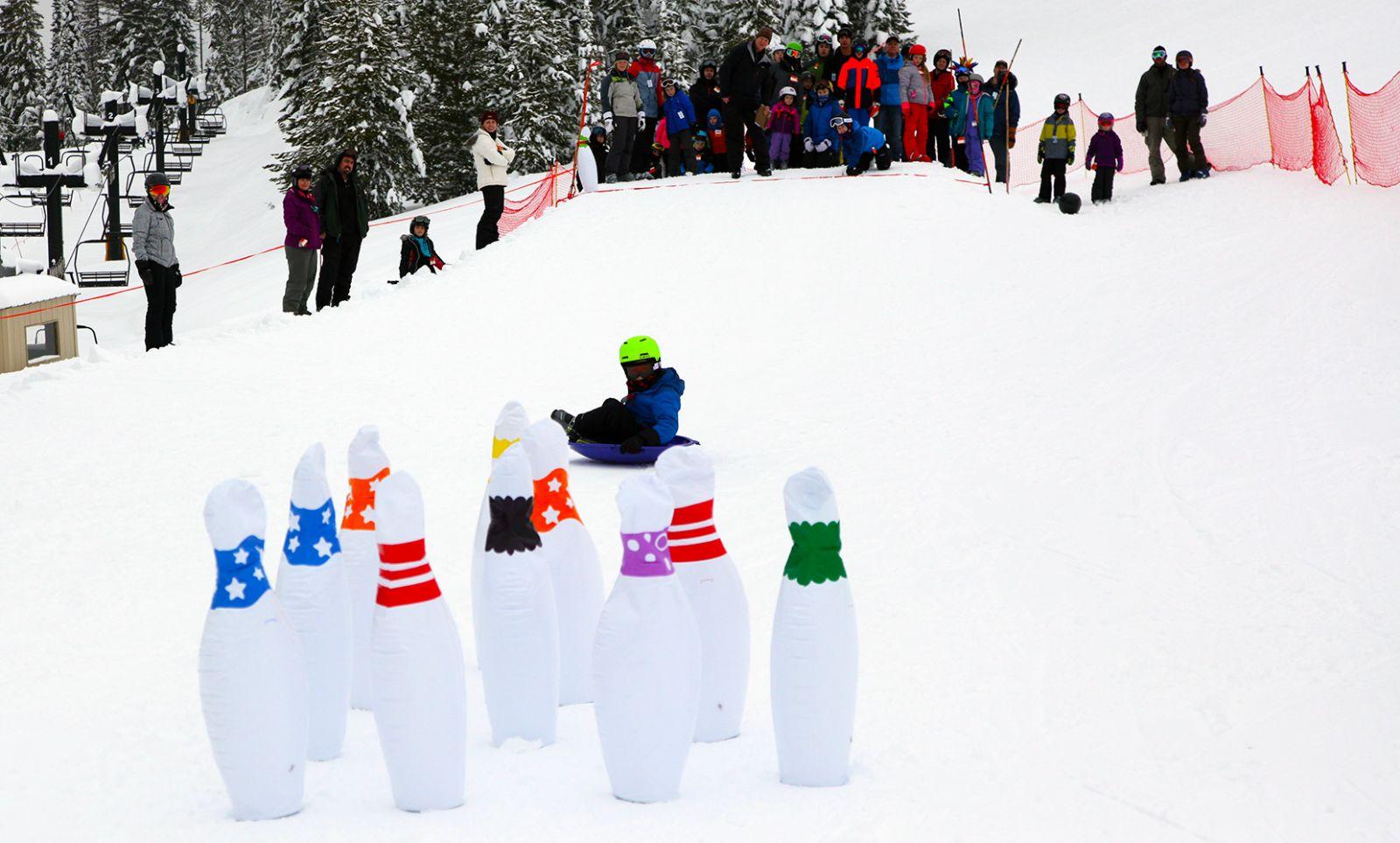 kids snowbowling